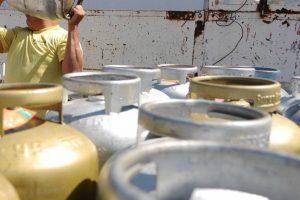 Petrobras aprova revisão da política de preços do gás de cozinha