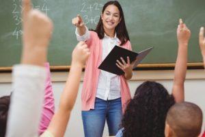 Educação a distância prevalece na formação de novos professores