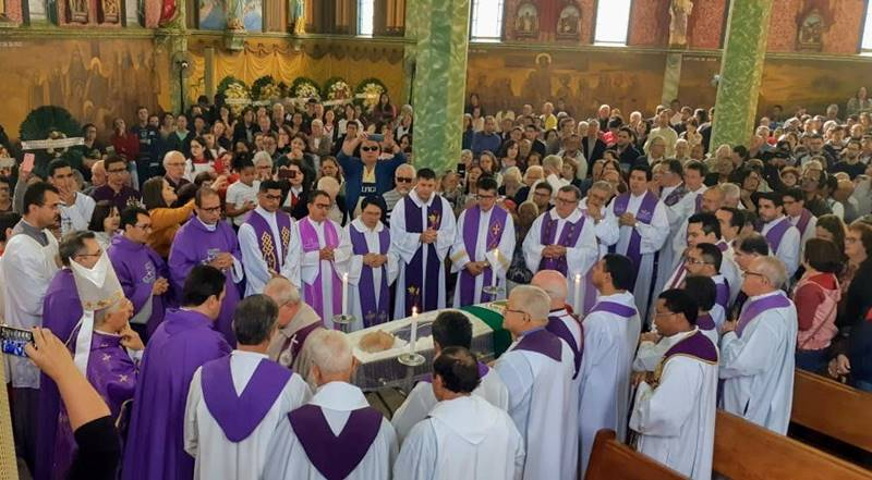 Padre Demerval Sepultamento (13)