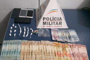 Manhuaçu: PM apreende cocaína, celulares e dinheiro no Bairro Coqueiro