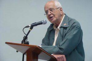 Padre Demerval morre em Manhumirim