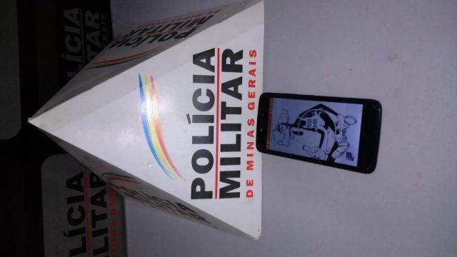 Manhumirim: PM prende autor de receptação e recupera celular furtado