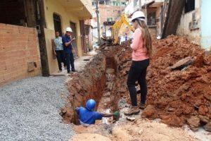 SAAE faz troca de rede de esgoto nos bairros São Vicente e Santana