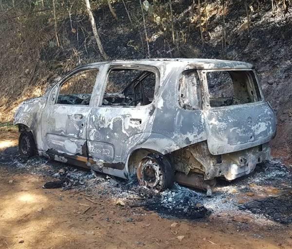 Carro incendiado (16)