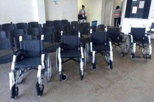 Manhuaçu: Secretaria de Saúde adquire novas cadeiras para a recepção