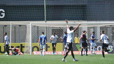 Cruzeiro leva goleada do Grêmio e é vaiado pelo torcedor