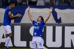 Cruzeiro vence o Vasco com jovem fazendo estreia e gol