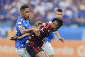Flamengo derrota o Cruzeiro no Mineirão