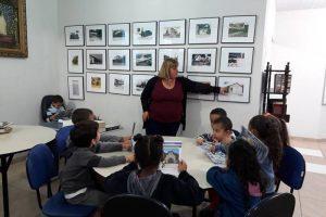 Alunos da EMEI Inazir Martins Pires visitam Biblioteca Municipal