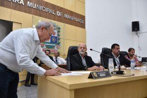 Renato da Banca é empossado no cargo de Prefeito de Manhuaçu
