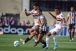 Atlético é dominado pelo São Paulo e perde no Morumbi