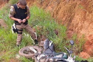 Manhumirim: PM recupera motocicleta furtada e prende autores