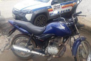 Mais uma motocicleta furtada é recupera pela PM