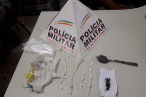 PM apreende menor e drogas em casa abandonada no bairro Lajinha