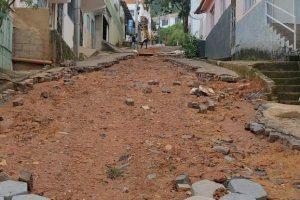 Manhuaçu: Moradores da Rua Juquinha Santana pedem providências quanto as condições da via