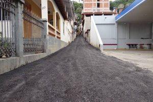 Manhuaçu: Prefeitura realiza recapeamento da Rua Antônio Lomeu