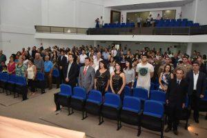 Câmara de Vereadores de Manhuaçu homenageia pessoas e instituições em sessão solene