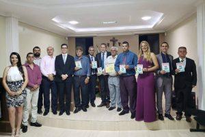Câmara entrega títulos de cidadania em Sessão Solene em São João do Manhuaçu