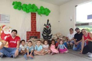 Ação entre amigos leva alegria às crianças da creche Fumaph