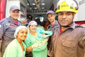 Manhuaçu: Bombeiros fazem parto durante transporte de grávida
