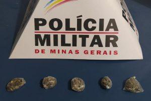 Manhuaçu: PM apreende menor com drogas