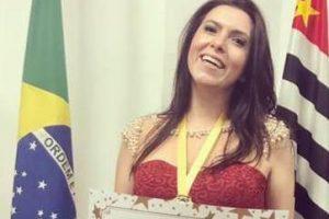 Locutora e jornalista de Manhuaçu faz sucesso em São Paulo