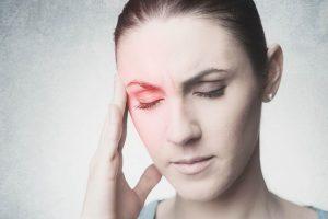 Como é a dor causada pela enxaqueca