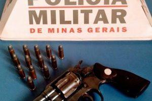 PM apreende arma e munições em Reduto
