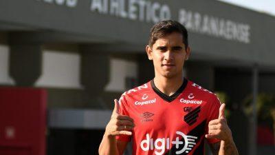 Cruzeiro tentará liberação de Everton Felipe