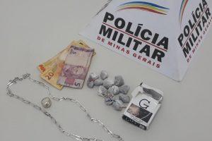 Santana do Manhuaçu: PM apreende menores com drogas no centro da cidade