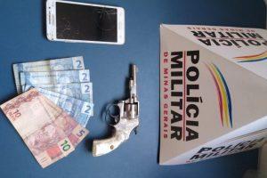 Manhuaçu: PM apreende arma de fogo e menores que praticaram roubo