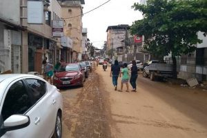 Pós enchente: Alerta sobre uso de água e trânsito em Manhuaçu; veja fotos