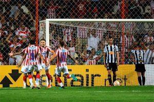 Atlético é goleado na Copa Sul-americana