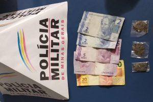 Manhuaçu: PM prende autor e apreende drogas, dinheiro e menores no bairro Santana