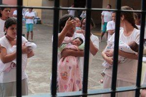Prisão domiciliar é prevenção à violência obstétrica, diz defensora