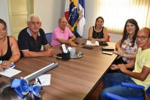 Prefeita Cici recebe visita da diretoria do Hospital Cesar Leite