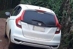 Carro roubado é recuperado pela PM