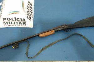 Região: PM apreende arma de fogo em lavoura