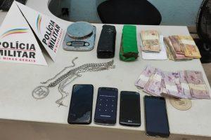Carangola: PM prende quatro peesoas por tráfico de drogas