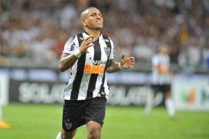 Atlético bate o Cruzeiro de 2 a 1