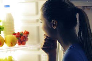 Comer a noite é prejudicial à saúde