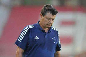 Cruzeiro perde para o Coimbra e demite técnico
