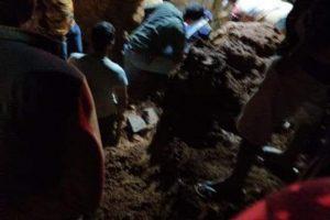 Caparaó: Bombeiros resgatam vereador atingido por soterramento; uma vítima fatal