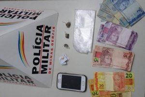 Manhuaçu: PM apreende drogas na Vila Deolinda