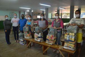 Prefeitura entrega kits para famílias em situação de vulnerabilidade social