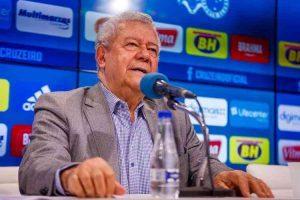 Presidente interino do Cruzeiro garante pagamento de débitos na Fifa