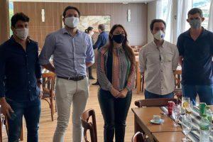 Empresários do Atacarejo Economart visitam prefeita Cici
