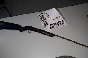 PM apreende arma de fogo em Santana do Manhuaçu