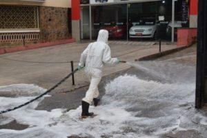 Covid-19: Higienização das ruas é intensificada em Manhuaçu