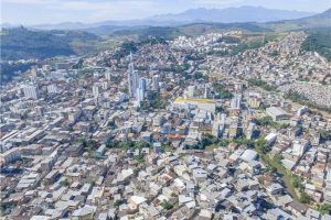 """Sem discussão ampla, Manhuaçu não entrará na """"Onda Roxa"""", diz Imaculada"""